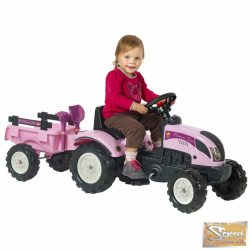Vid lányka traktor